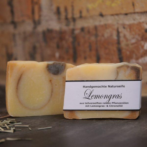 """Produktfoto der palmölfreien Seife """"Lemongras"""" von Seifengarten in Oderberg"""
